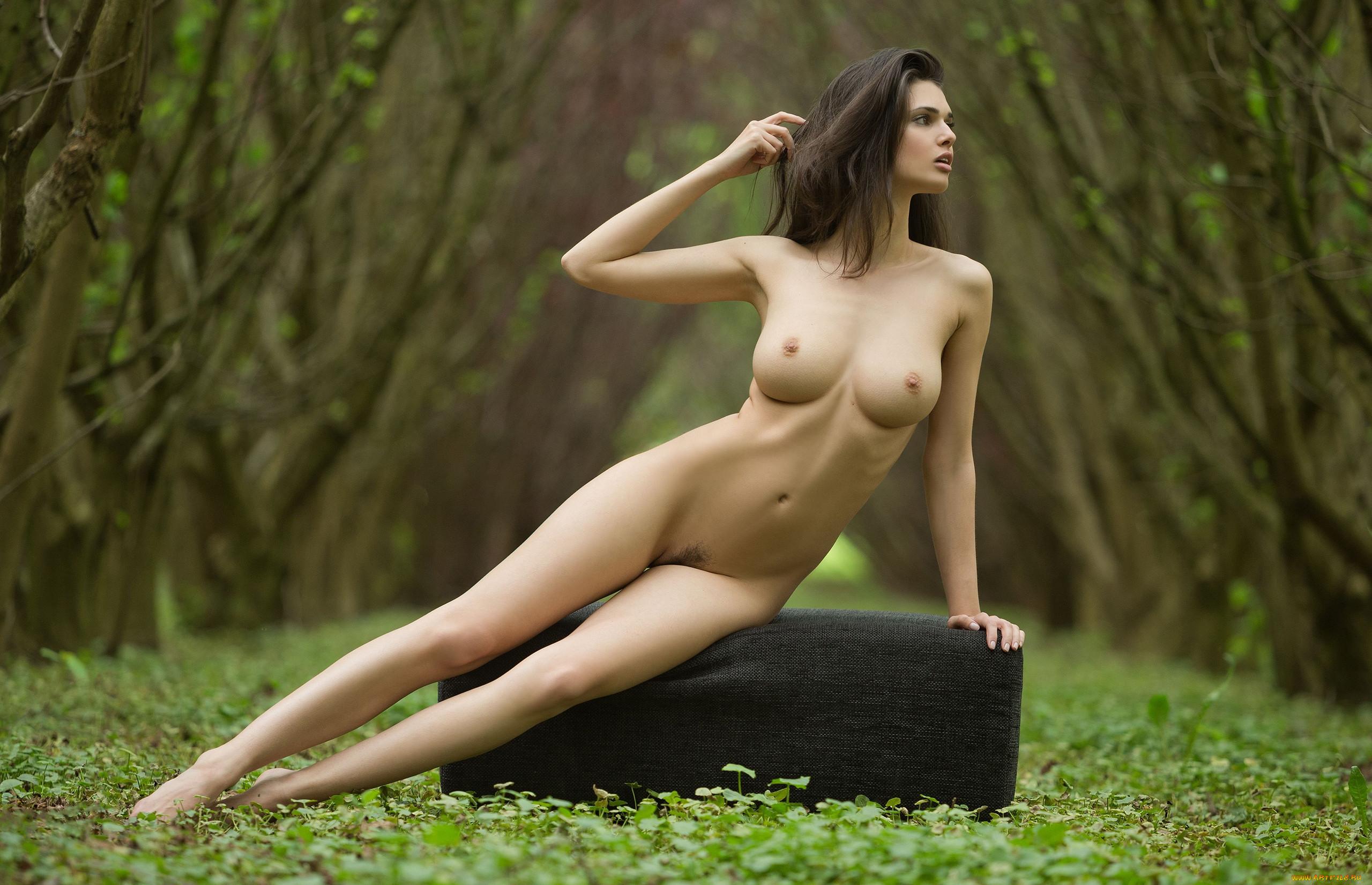 Фото Женщин На Природе Обнаж